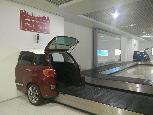 В аэропорту Белграда. Креативная багажная лента