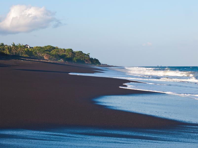 Чёрные пляжи на Тенерифе. Летим от стереотипов туда, где солнце море и чёрный песок