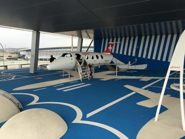 Аэропорт Цюриха. Игроваяплощадка для детей
